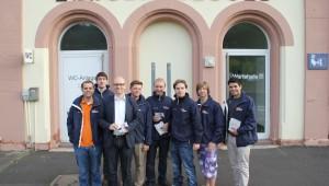 Auch im Bundestagswahlkampf haben wir Peter Tauber unterstützt: So haben wir zum Beispiel an mehreren Morgenden einen kleinen Snack und eine Broschüre mit Informationen über die Arbeit von Peter Tauber an Bahnhöfen im Wahlkreis verteilt.
