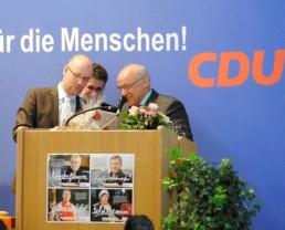 Peter Tauber gratuliert Hubert Müller. Foto: CDU Main-Kinzig