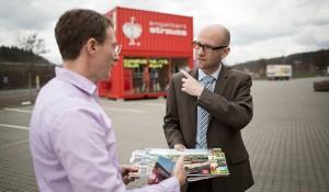 Zu Besuch beim im Wahlkreis ansässigen Unternehmen Engelbert Strauss. Foto: Tobias Koch