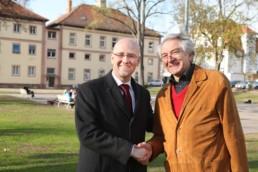 Peter Tauber mit dem Bürgerbeauftragten Helmut Pfeifer. Bild: ToKo