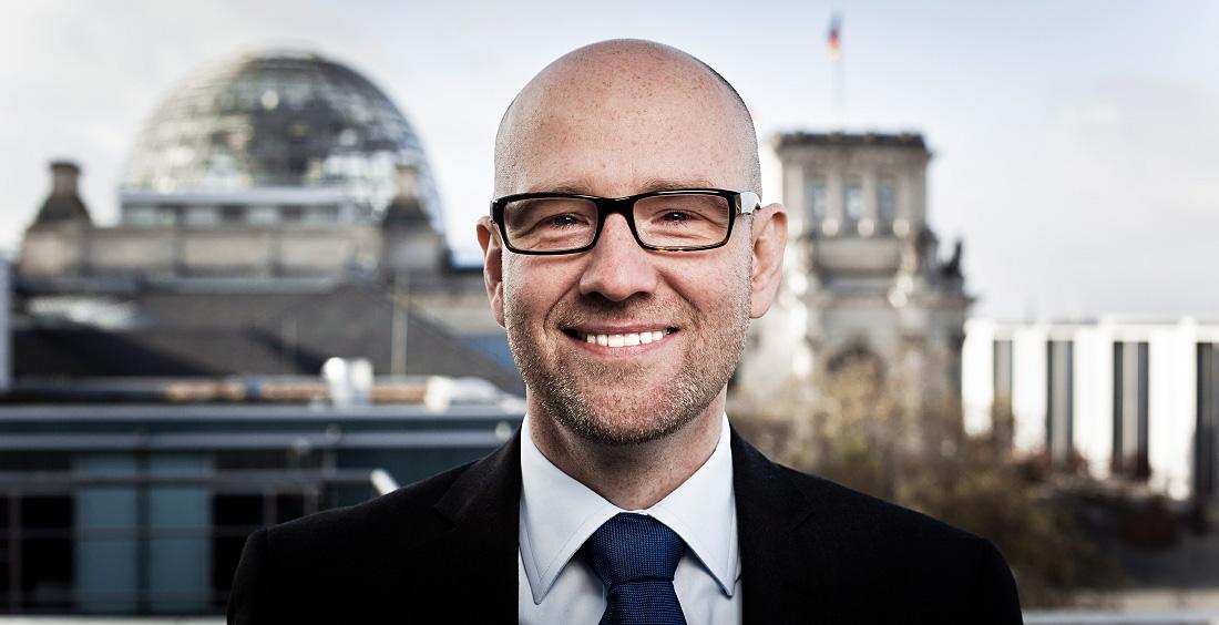 Vor dem Reichstag. Foto: Tobias Koch