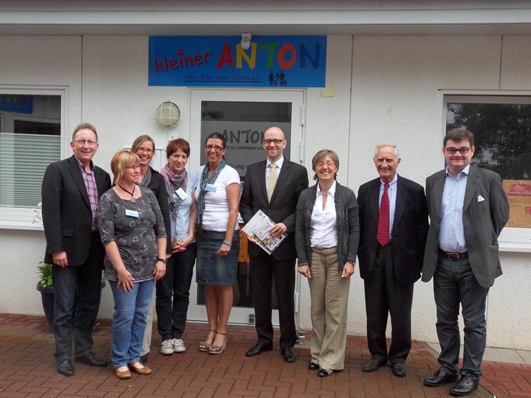 Peter Tauber mit Familienpolitiker. Bild: ToKo
